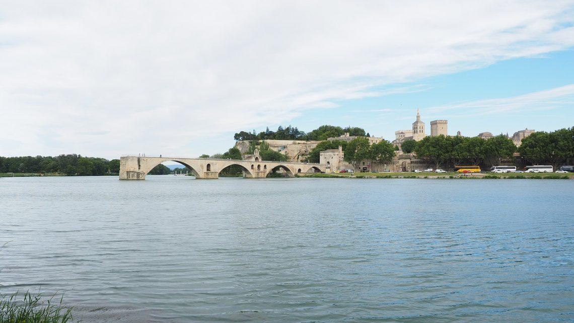 Quels moyens de transport choisir pour aller à Avignon ?